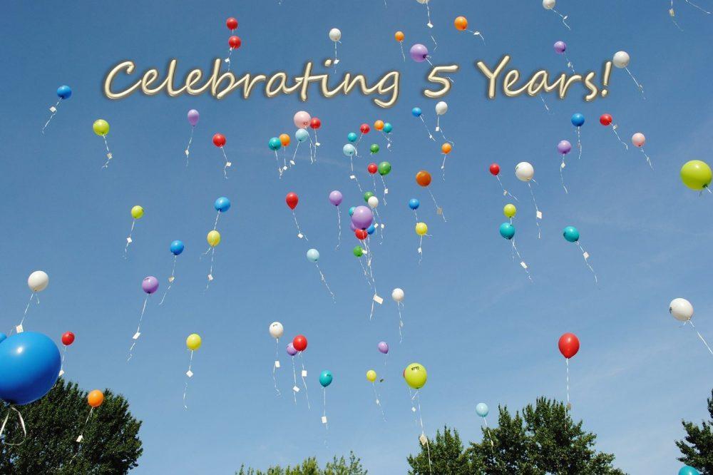 5th Anniversary Balloons